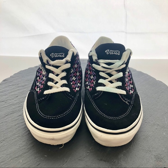 vans woman shoes size 4